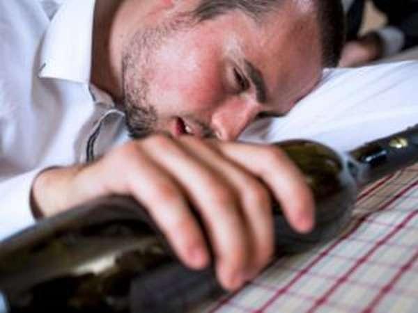 Алкогольное отравление: помощь в домашних условиях