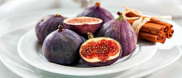 Плоды Смо́квы