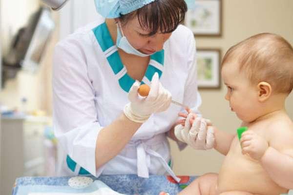 Что может стать причиной повышенных лейкоцитов в крови у новорожденных и как нормализовать их уровень?