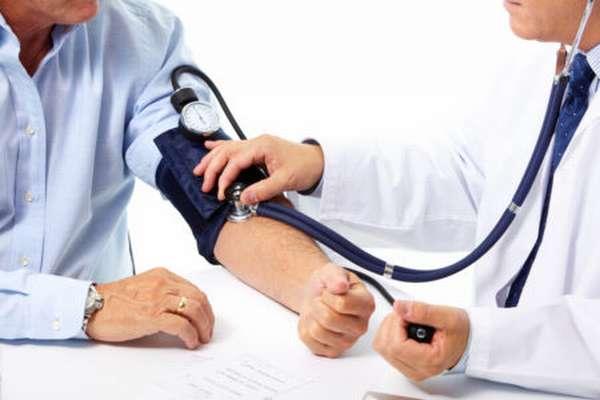 Боли в сердце при нормальном давлении: как лечить и в чем причина появления