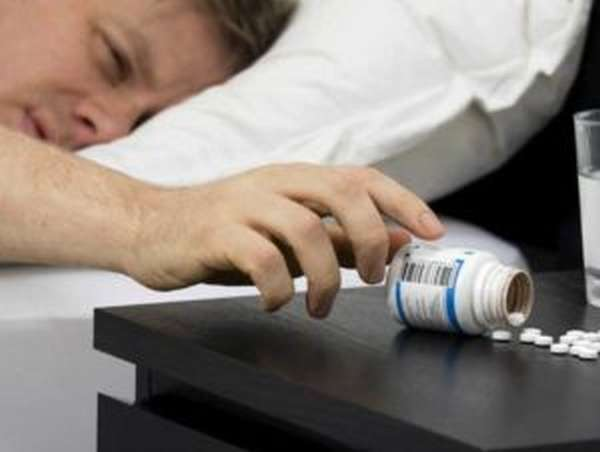 Отравление снотворным: симптомы, первая помощь, лечение