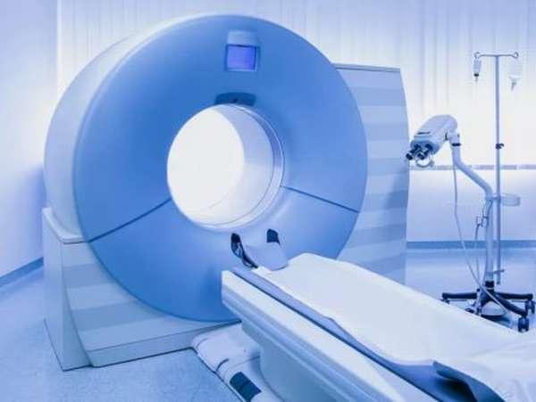 Какие причины провоцируют развитие тромба в головном мозге, характерные симптомы и лечение