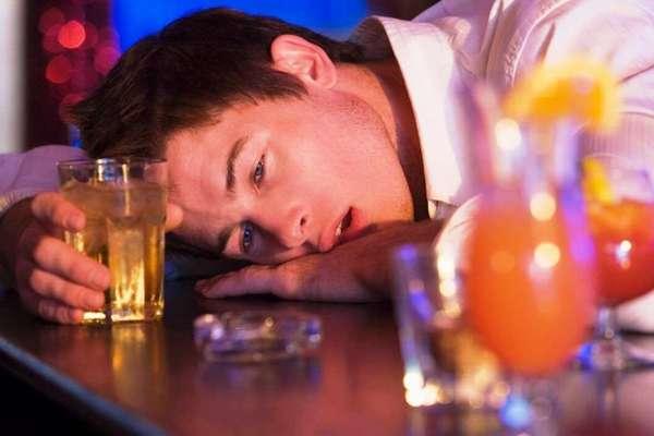 Какую угрозу несет отравление спиртом?