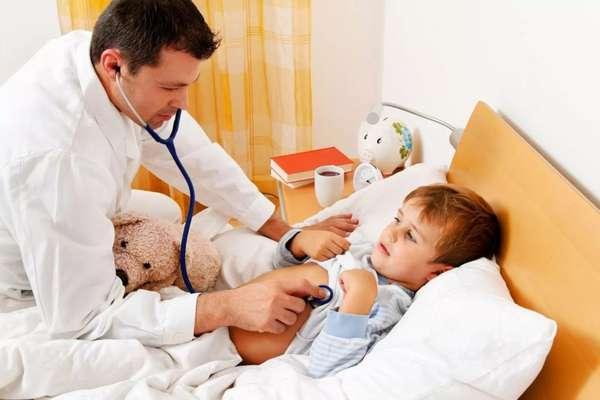 Как помочь ребенку при отравлении
