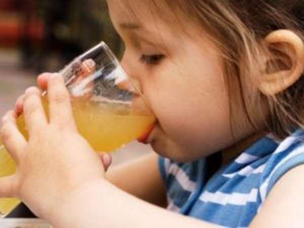 Отравление соком: симптомы, первая помощь, лечение