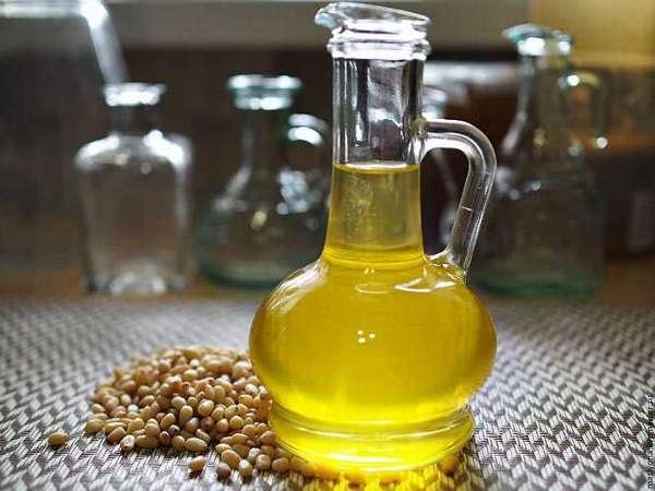 Качественное кедровое масло янтарного цвета