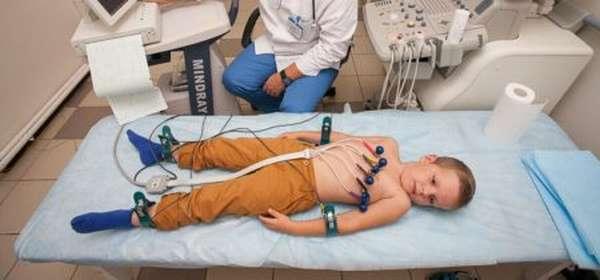 Причины синусовой аритмии, определение, симптоматика, методы лечения