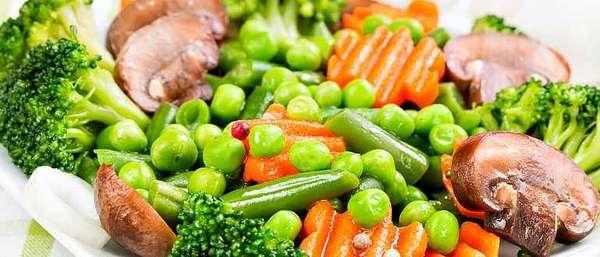 Вареные овощи и грибы