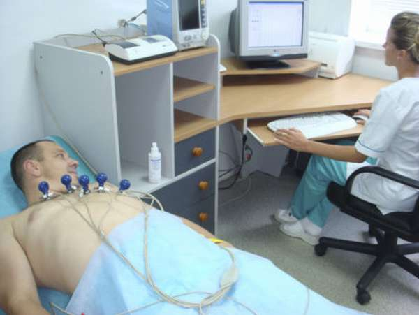 Симптомы и признаки патологий при плохой кардиограмме сердца