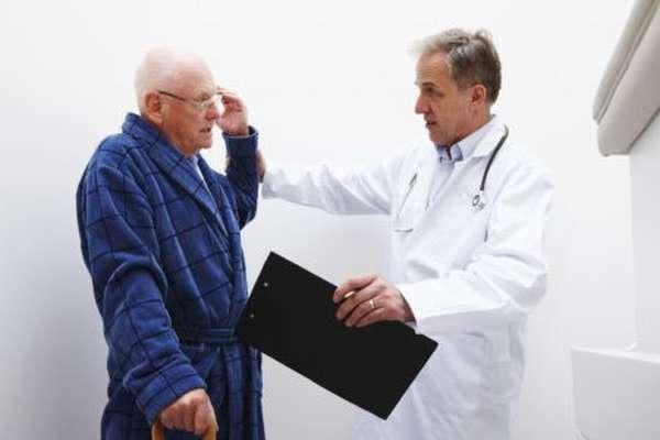 Симптомы и лечение сердечной недостаточности в пожилом возрасте, разновидности, народные средства и методы профилактики