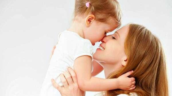 Девушка любит дочку