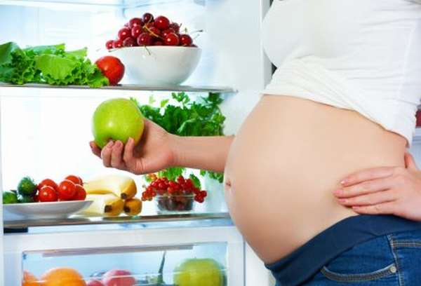 Чем опасно повышение уровня лейкоцитов в крови при беременности, правила сдачи и лечение при отклонениях